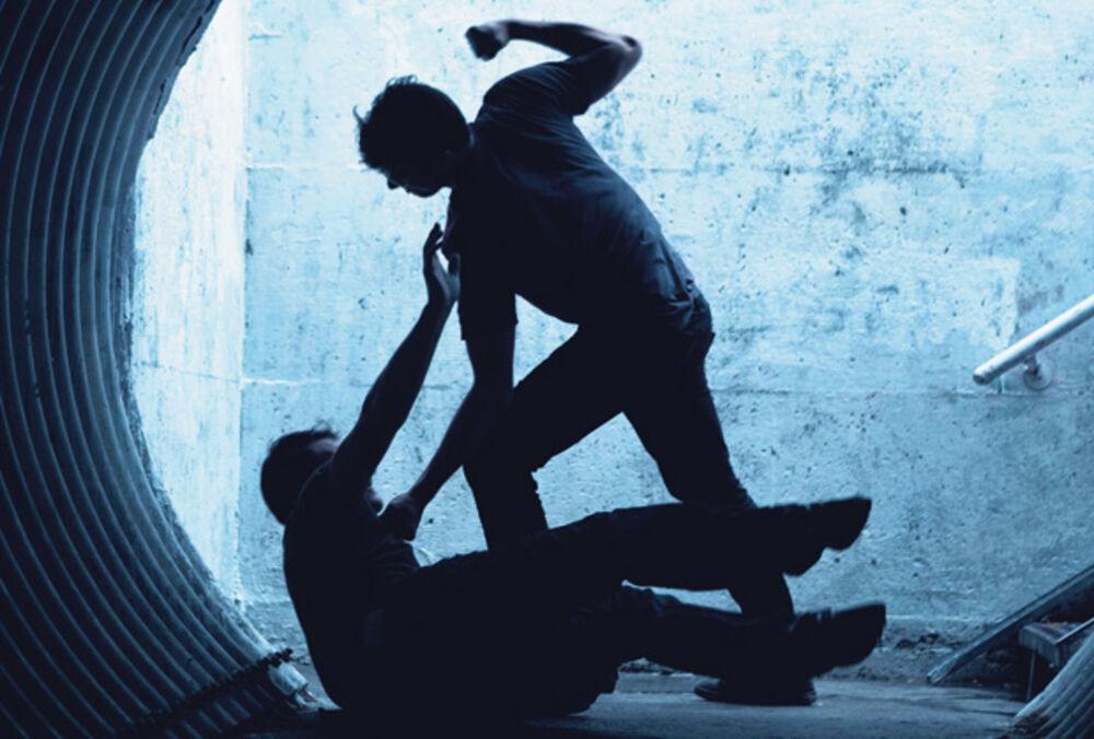 BRUTALAN OBRAČUN KRIMI EKIPA U LOZNICI: Dvojica se potukla, a onda doveli prijatelje pa nastavili, sevali noževi, motke i pesnice