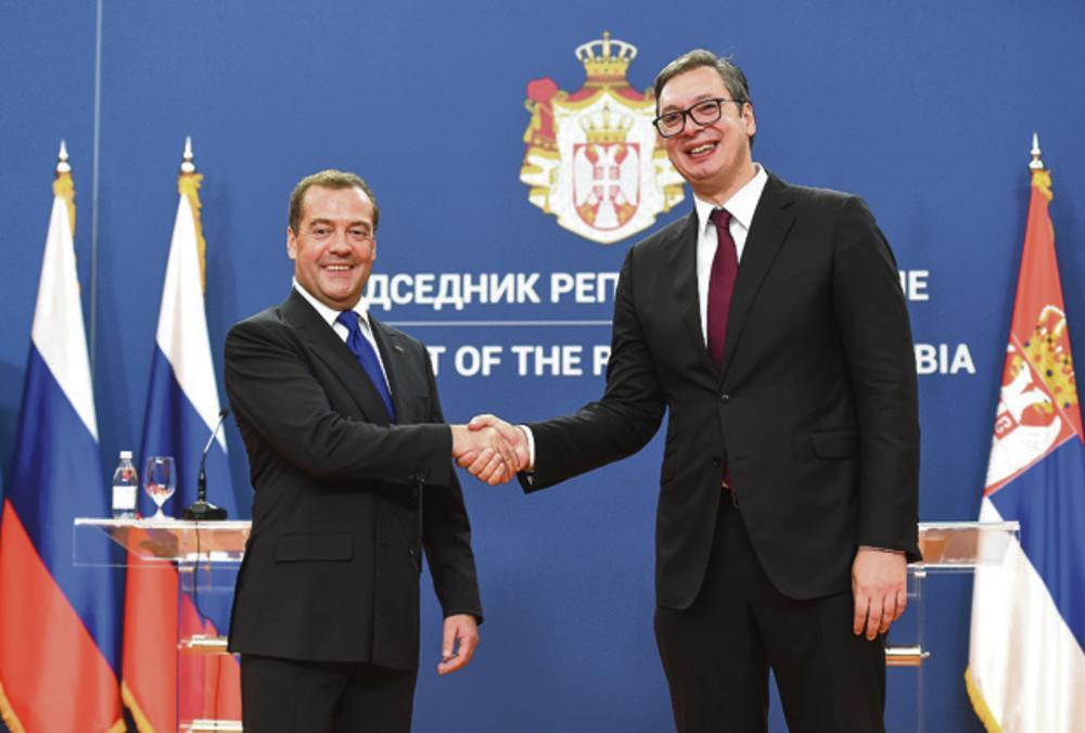 17.40 Palata Srbija: Razgovor u četiri oka Vučića i Medvedeva