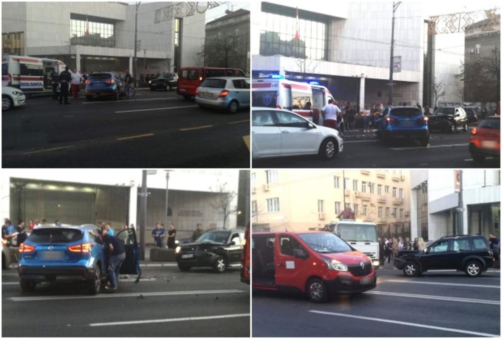 HAOS U CENTRU BEOGRADA: Teška nesreća u Kneza Miloša, ima povređenih (FOTO)