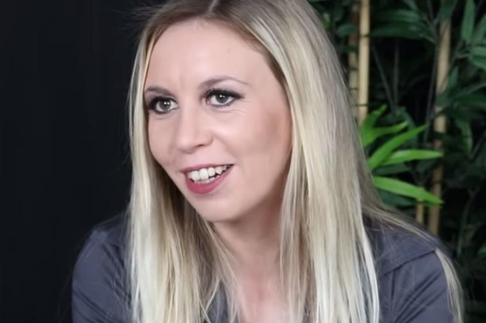 Julia ann prijatelji vruća mama porno