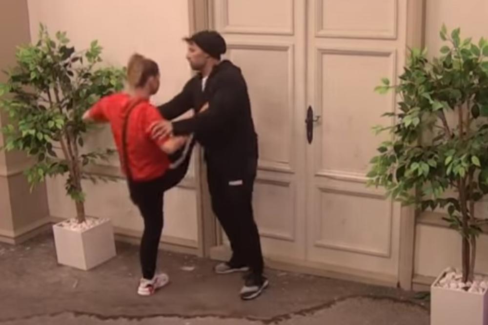 NATALIJA TRIK FX RAZBIJA VRATA NOGOM: Nije dobila OVO 2 meseca, pa želi da izađe iz rijalitija! Sani pokušava da je SMIRI! (VIDEO)