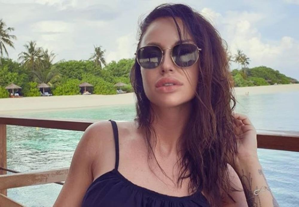 KO ŽELI DA ČESTITA, NEKA ČESTITA: Katarina Živković luduje na Maldivima, a evo u čemu je baš imala SREĆE! Odmah se POHVALILA! (FOTO)