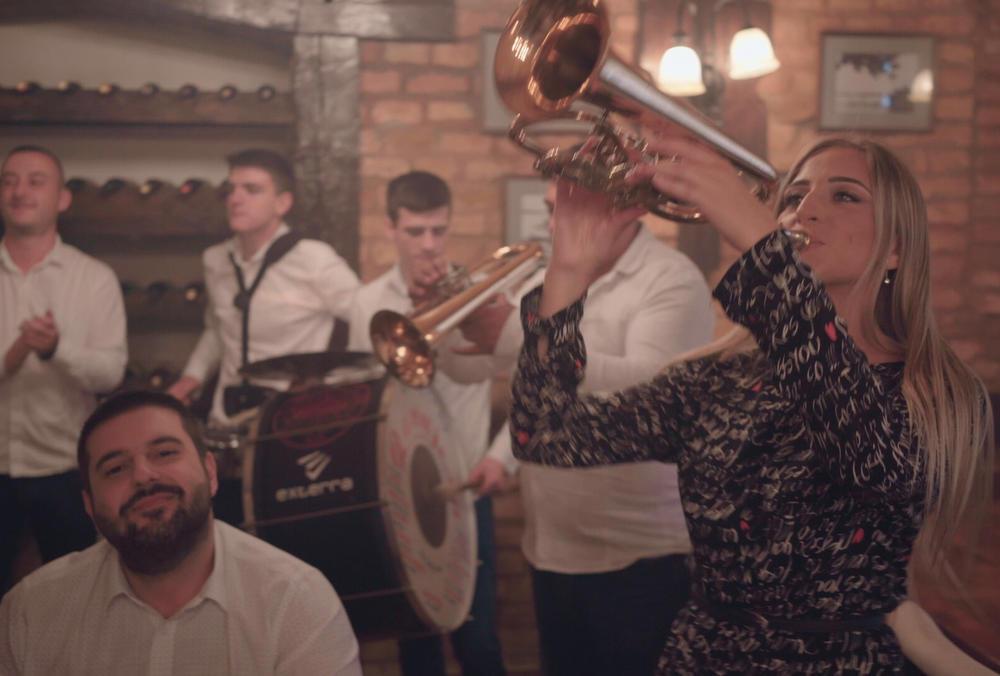 NESVAKIDAŠNJI SPOJ TRUBE I MODERNOG ZVUKA: Orkestar Danijela i Đorđe Nesta Arsović snimili novu pesmu!