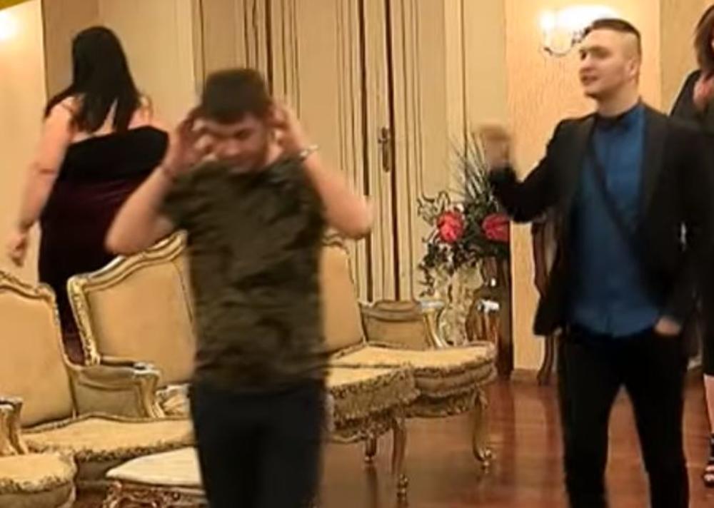 PRODAO BI I SESTRU I DEVOJKU, KLOŠARČINO! Jeziv napad na Ivana Marinkovića završiće se TUŽBOM?!