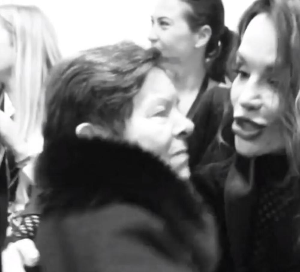 SAMO JOJ JE PALA NA GRUDI! Pogledajte dirljiv trenutak Severine sa majkom! PUCA I NAJTVRĐE SRCE (VIDEO)
