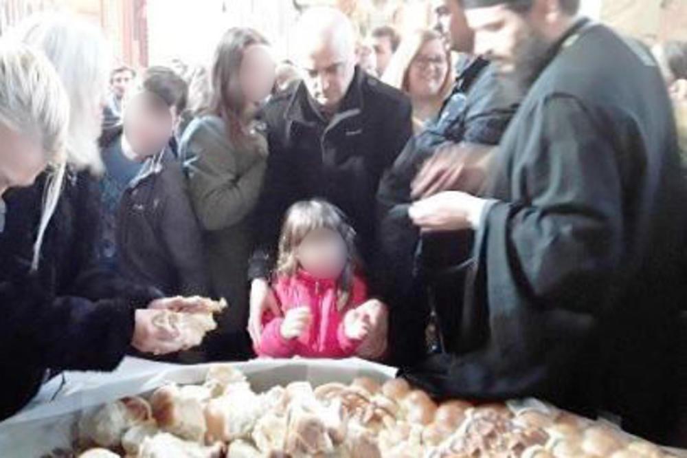 Održana tradicionalna proslava Božića u Sabornom hramu Svetog Đorđa u Kruševcu, izvučeni zlatnici iz božićne česnice