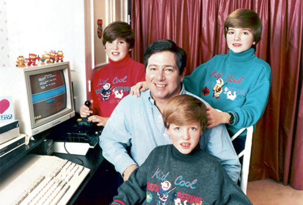 Sasvim obična porodica... Aleksandar sa sinovima dok su bili deca