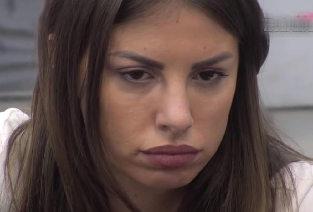 DOSTA SAM JA ĆUTAO! SRAMOTA JE DA MAJKA TO RADI: Ovaj muškarac raskrinkao je Draganu Mitar, jedva se BRANI! (VIDEO)