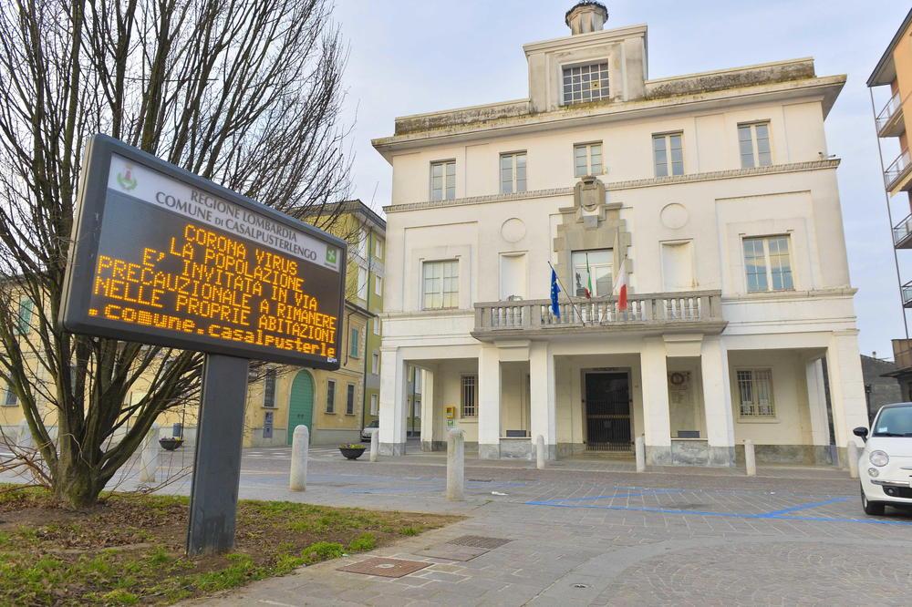 <p>Broj zaraženih koronavirusom u Italiji je premašio 100, a samo u Lombardiji ih je najmanje 90.</p>