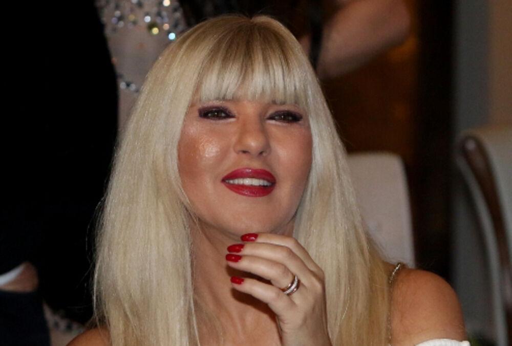 JAMI IMA SOLARIJUM I KREVET KOJI MASIRA! ŽIVI U LUKSUZU OD 150.000 € U CENTRU BEOGRADA: Pevačica iznela najveću INTIMU!