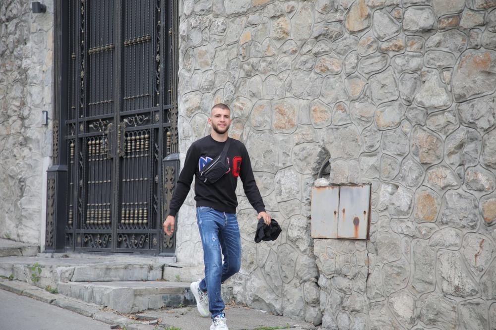 ISPRED PRIVATNE KLINIKE! Bogdana smeštena u bolnicu: Veljko stigao dobro raspoložen i nasmejan! (KURIR TV)