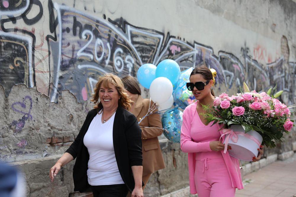 BOGDANINA MAJKA I SESTRE ZA KURIR: Presrećni smo, sve je u najboljem redu! (KURIR TV)