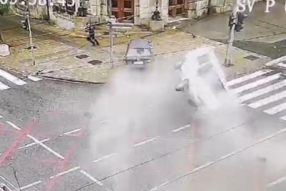POJAVIO SE SNIMAK STRAVIČNE NESREĆE U CENTRU BEOGRADA: Pogledajte trenutak kada BMW udara u KOMBI! JEZIVO (VIDEO)