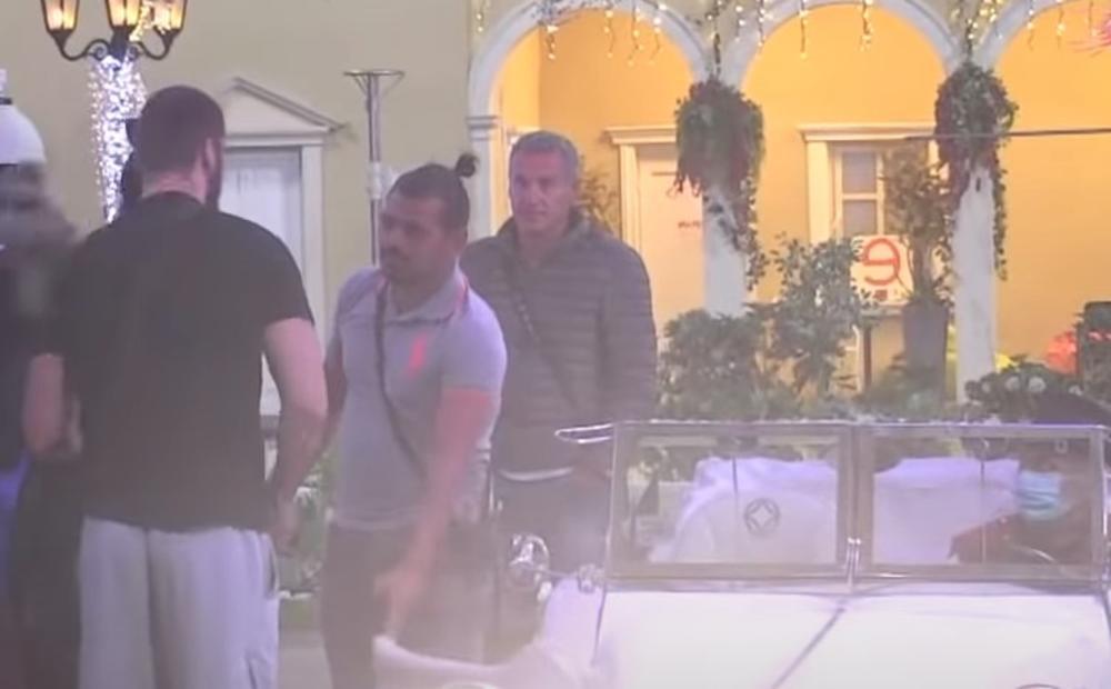 OVE 2 UČESNICE IZAŠLE SU IZ RIJALITIJA PRED SAMO FINALE: Jedna je odmah počela da lije GORKE SUZE! (VIDEO)