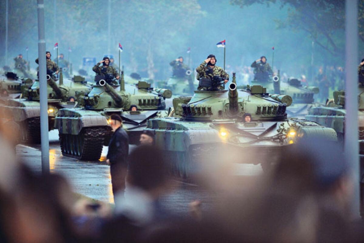 ŠTA SE DEŠAVA, ZAŠTO SE REGION NAORUŽAVA? Srbija je vojno moćna, ali  naoružavanje Albanaca je zabrinjavajuće!