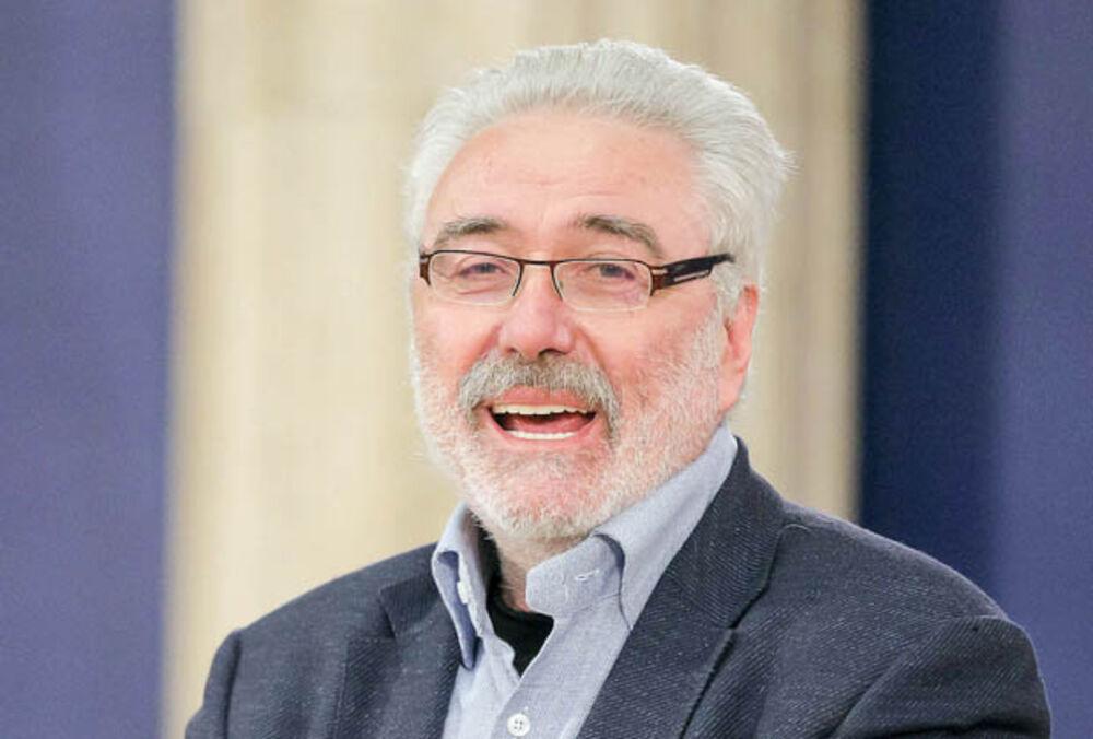 SRBI VEĆ 20 GODINA PREŽIVLJAVAJU NAJSTRAŠNIJU DIKTATURU Doktor Nestorović o sramotnim barikadama na Cetinju SRBIJA MORA DA SE MEŠA
