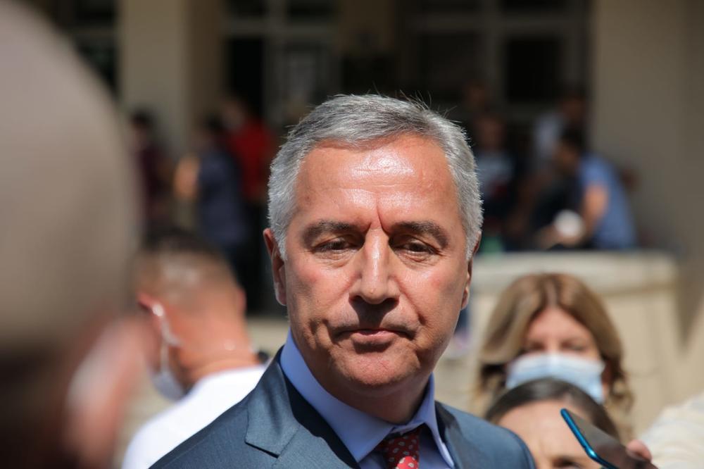 SKUPŠTINI DOSTAVLJEN PRERDLOG DA SE ISPITA MILOVA IMOVINA: Odbrana Duška Kneževića parlamentu predlaže formiranje Anketnog odbora!