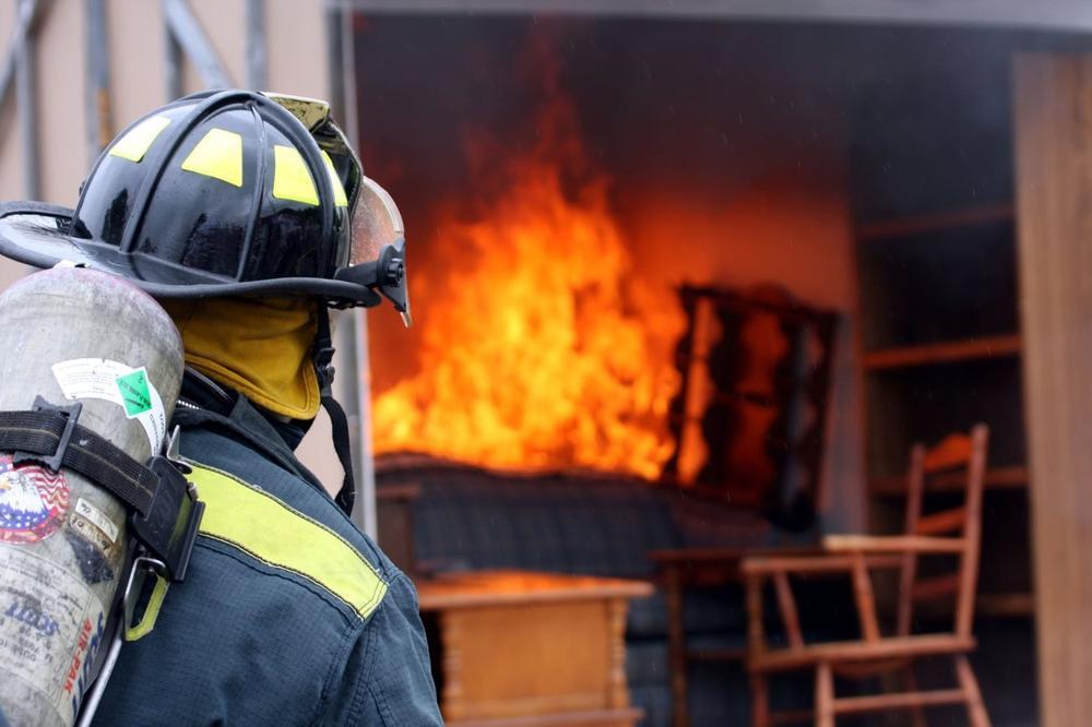 TRAGEDIJA U JAJCU: Dete (11) stradalo u požaru u porodičnoj kući!