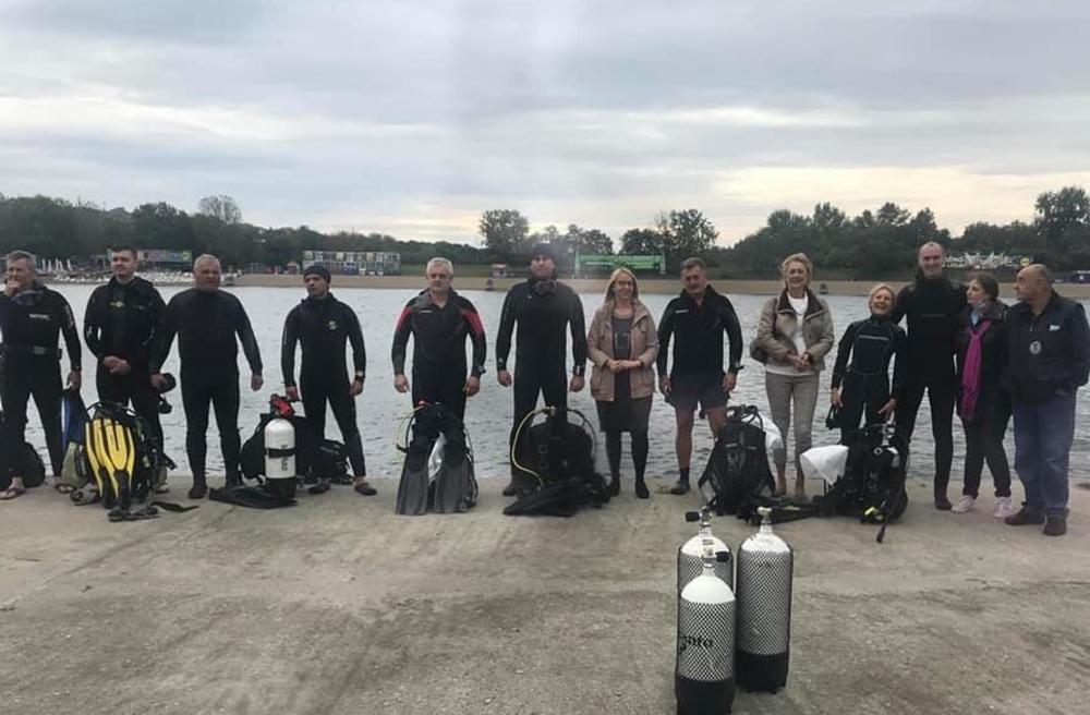 TRADICIONALNA AKCIJA: Podvodno čišćenje Savskog jezera, ronioci izvukli tepih i veš mašinu