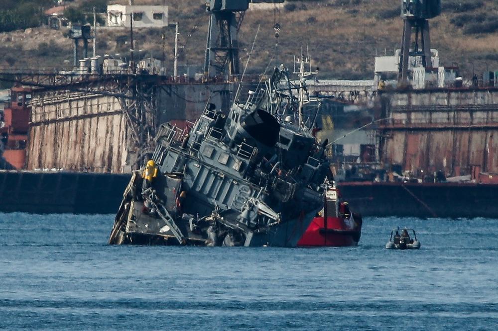 (VIDEO) SUDAR BRODOVA U GRČKOJ: Teretnjak prepolovio ratni brod Kalisto, kapetan uhapšen!