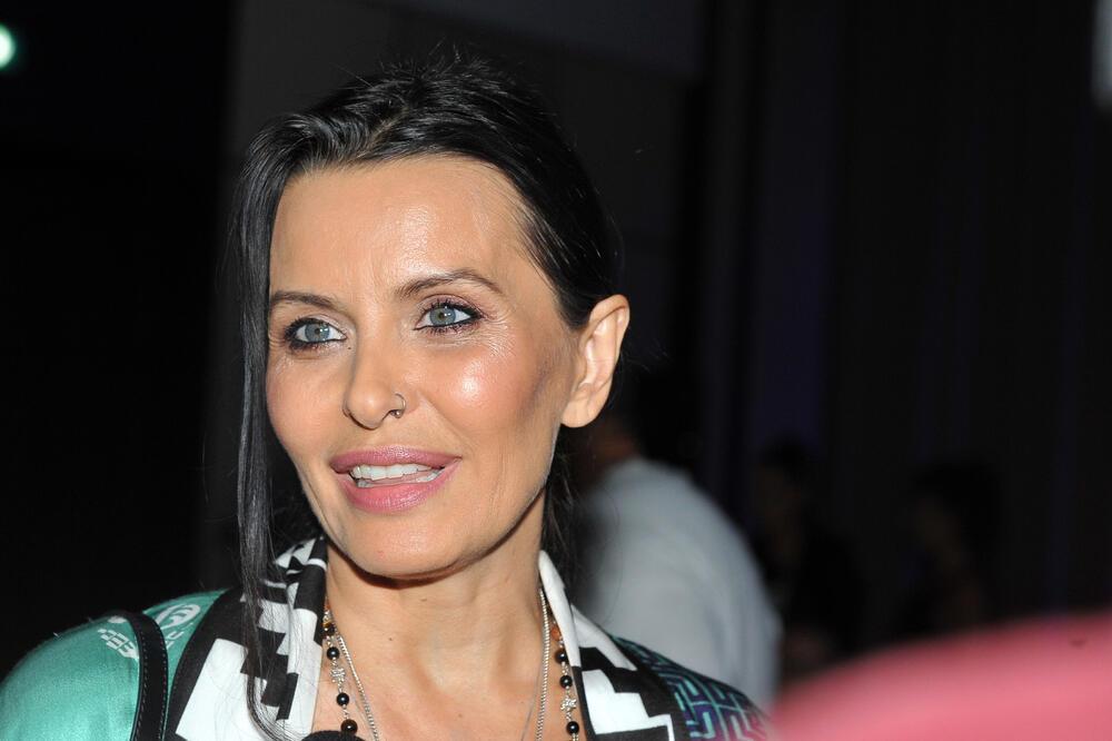 ELENA KARIĆ I DUŠAN RELJIN POTVRDILI VEZU?! Dizajnerki novi dečko javno  izjavio ljubav: Volim tvoja