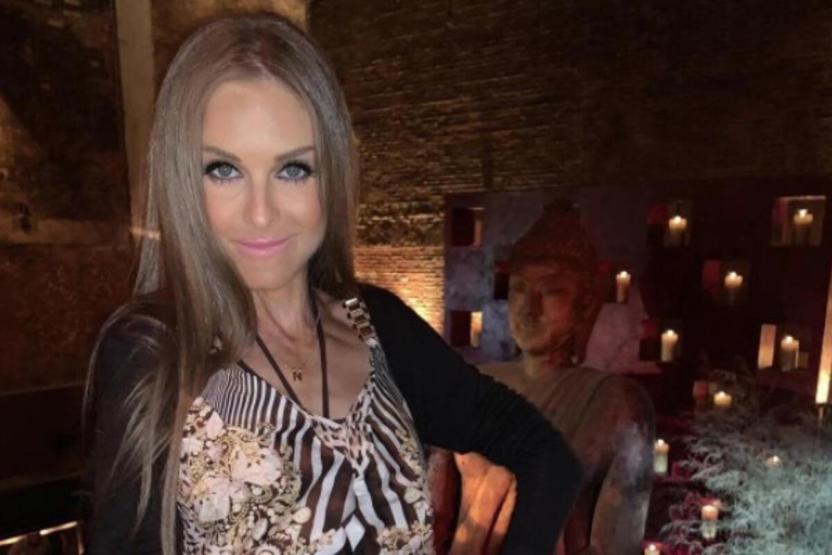 RIJALITI UČESNICA PREMINULA POSLE DUGE BORBE SA ANOREKSIJOM: Niki umrla u  38. godini, majka OČAJNA