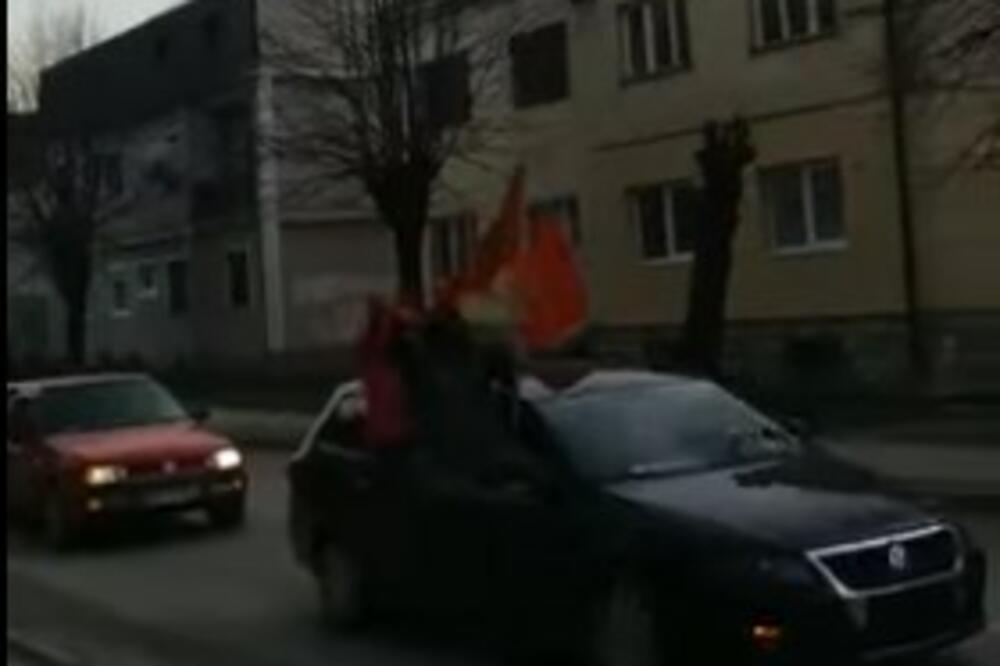 Od 'tuđe sreće' do savremene Crnogorke