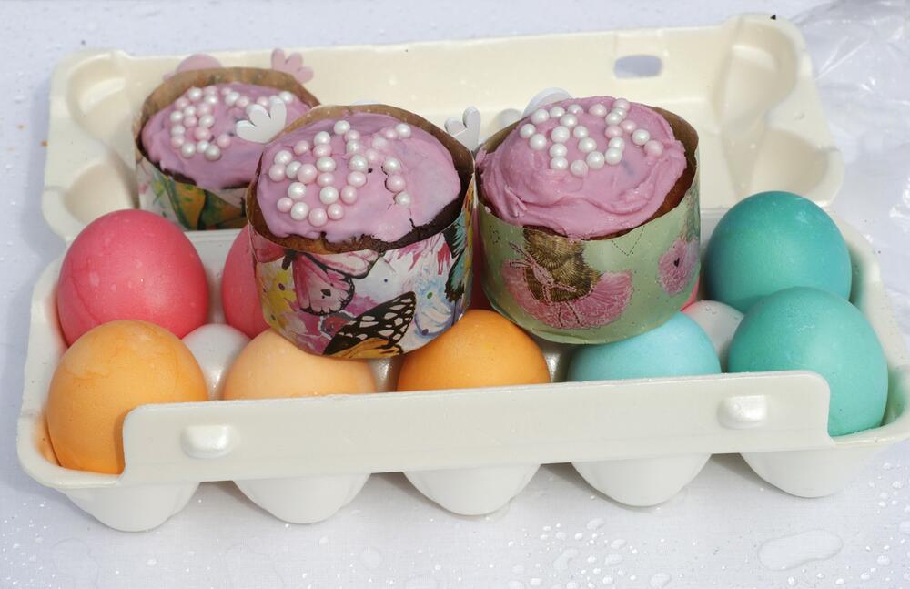 Uskrs, farbanje jaja