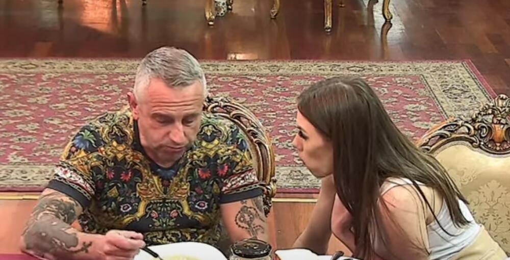 IVAN GAVRILOVIĆ POTPISAO PAPIRE ZA RAZVOD BRAKA Ljubavnica