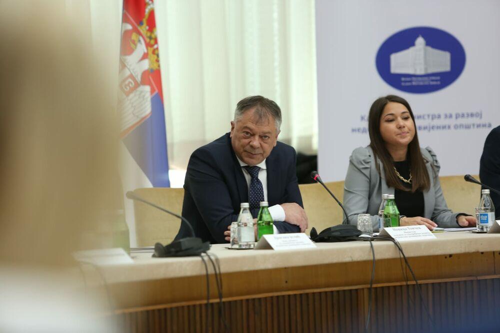Ministarstvo za razvoj nedovoljno razvijenih opština, Novica Tončev
