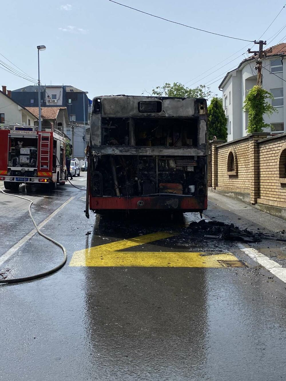 autobus, zapalio se autobus