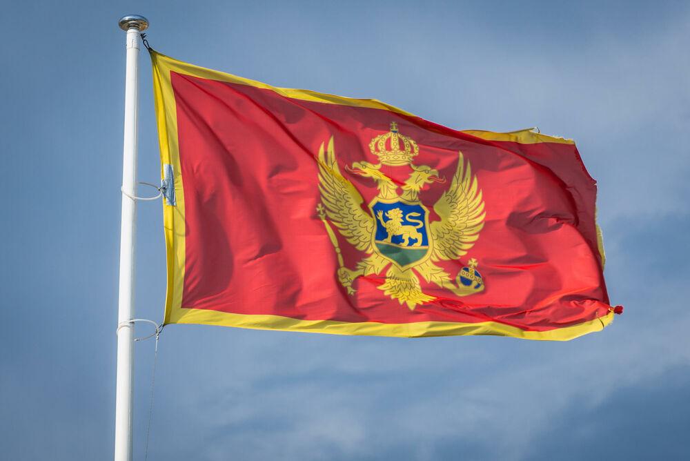 U pamet se braćo Crnogorci! Od Srbije bliže nemamo, od Srba rođenijih nema!