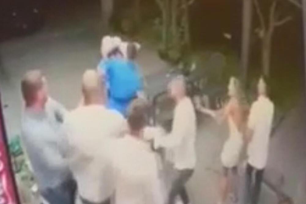 Nastradali mladić u plavoj dukserici