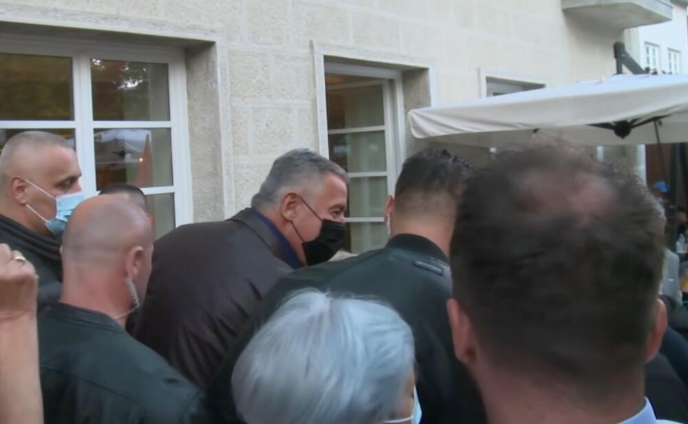 Milo Đukanović, Cetinje