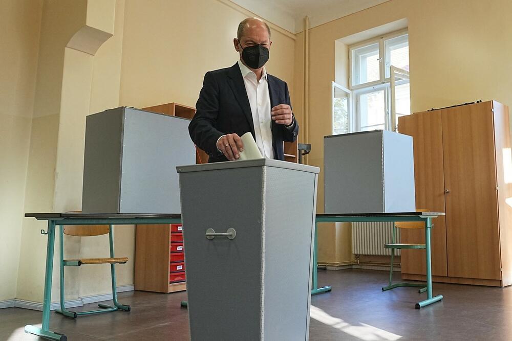 0634385586, izbori u Nemačkoj, Olaf Šolc, glasan