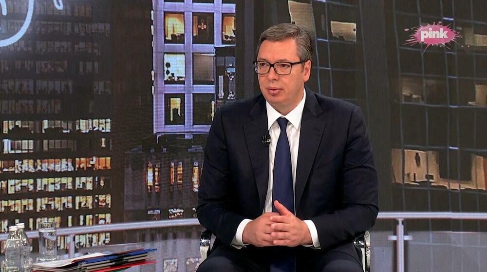 Hit Tvit, Aleksandar Vučić